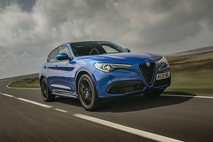 2020 Alfa Romeo Stelvio Veloce - Front Three-Quarter Wallpapers 420x280