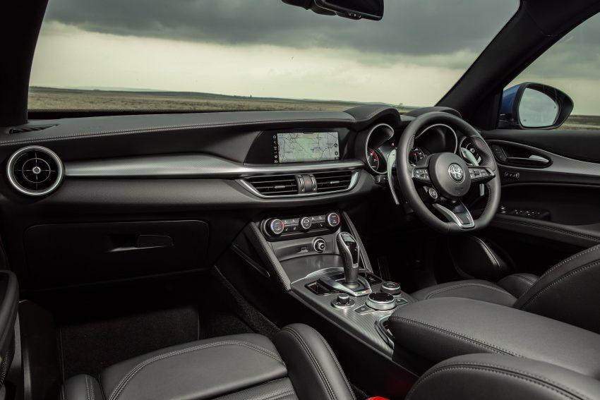 2020 Alfa Romeo Stelvio Veloce - Interior Wallpapers 850x567 #34