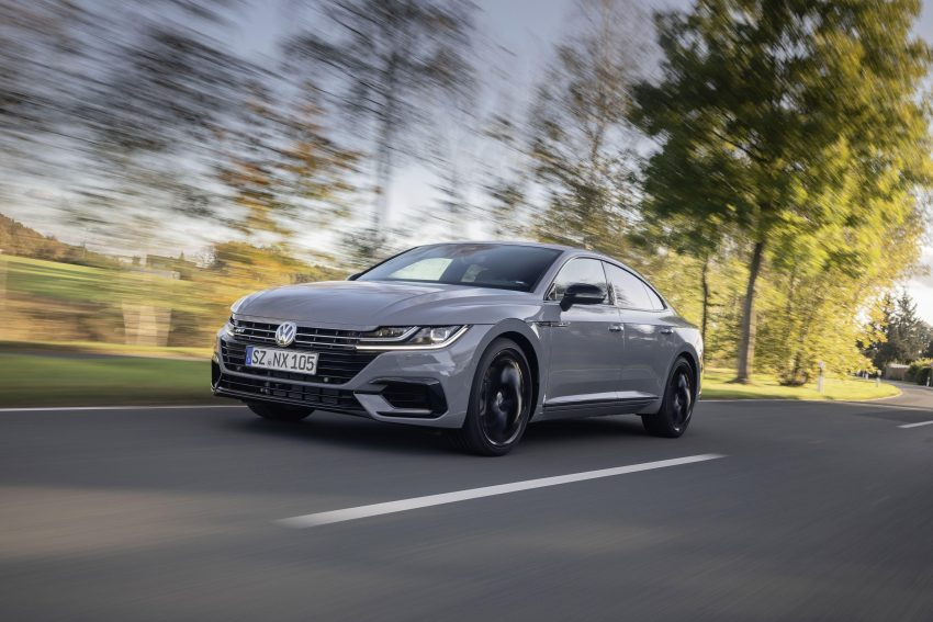 2020 Volkswagen Arteon 4Motion R-Line Edition - Front Three-Quarter Wallpapers 850x567 #2