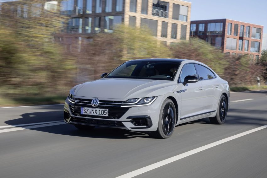 2020 Volkswagen Arteon 4Motion R-Line Edition - Front Three-Quarter Wallpapers 850x567 #3