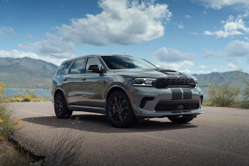 2021 Dodge Durango SRT Hellcat - Front Three-Quarter Wallpapers 850x567 #31