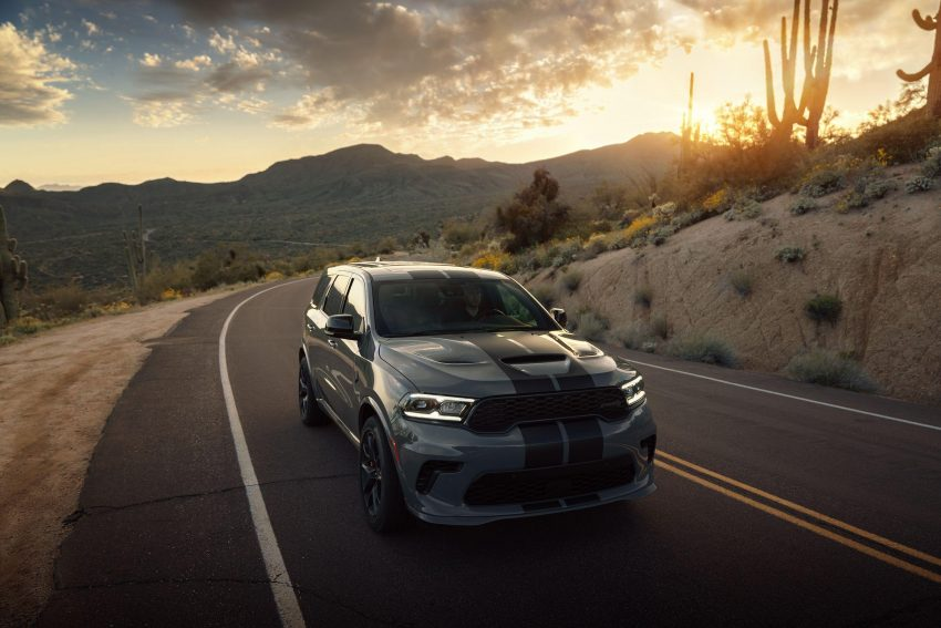 2021 Dodge Durango SRT Hellcat - Front Three-Quarter Wallpapers 850x567 #4