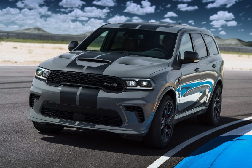 2021 Dodge Durango SRT Hellcat - Front Three-Quarter Wallpapers 850x567 #15