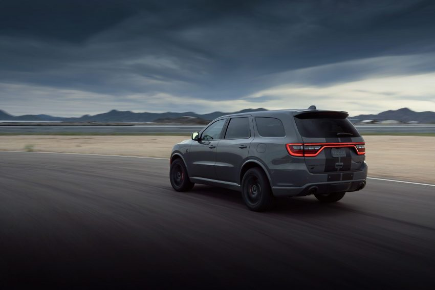 2021 Dodge Durango SRT Hellcat - Rear Three-Quarter Wallpapers 850x567 #26