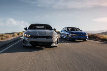 2021 Kia K5 GT and Kia K5 GT-Line AWD - Front Wallpapers 420x280