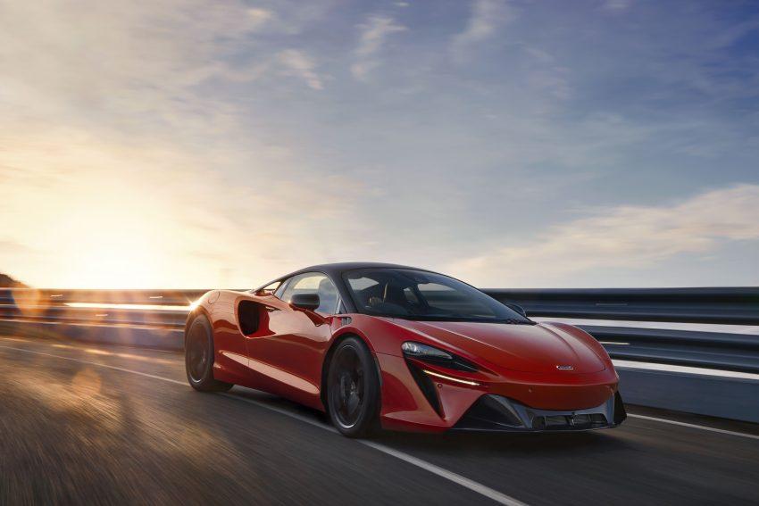 2022 McLaren Artura [UK-spec] - Front Three-Quarter Wallpapers 850x567 #1