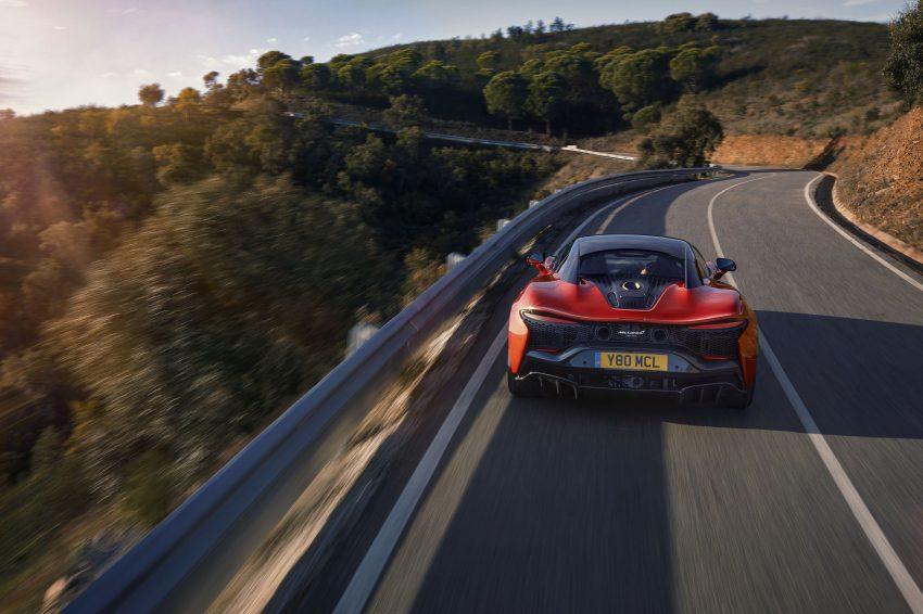 2022 McLaren Artura [UK-spec] - Rear Wallpapers 850x566 #6