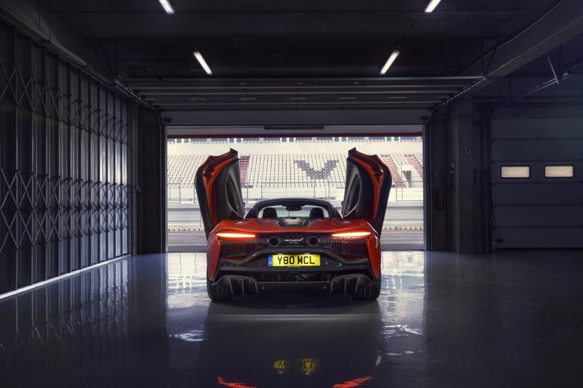 2022 McLaren Artura [UK-spec] - Rear Wallpapers 850x567 #15