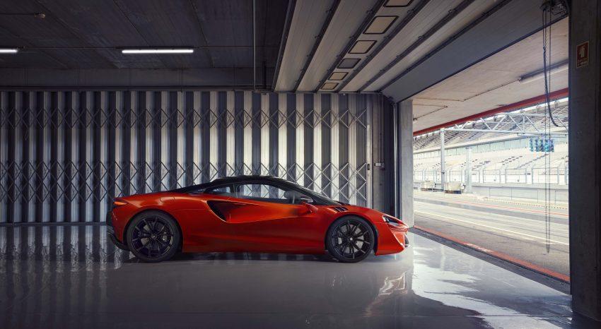 2022 McLaren Artura [UK-spec] - Side Wallpapers 850x466 #17