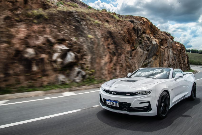 2020 Chevrolet Camaro SS Convertible - Front Three-Quarter Wallpapers 850x567 #2