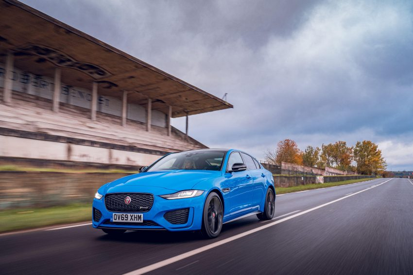 2020 Jaguar XE R-Dynamic Reims Edition - Front Three-Quarter Wallpapers 850x567 #18