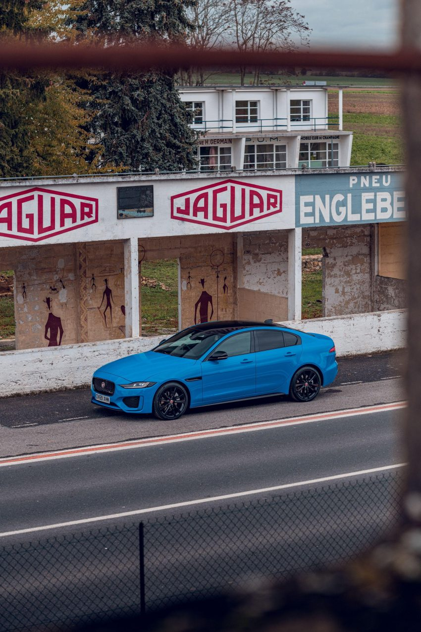 2020 Jaguar XE R-Dynamic Reims Edition - Front Three-Quarter Wallpapers 850x1275 #36