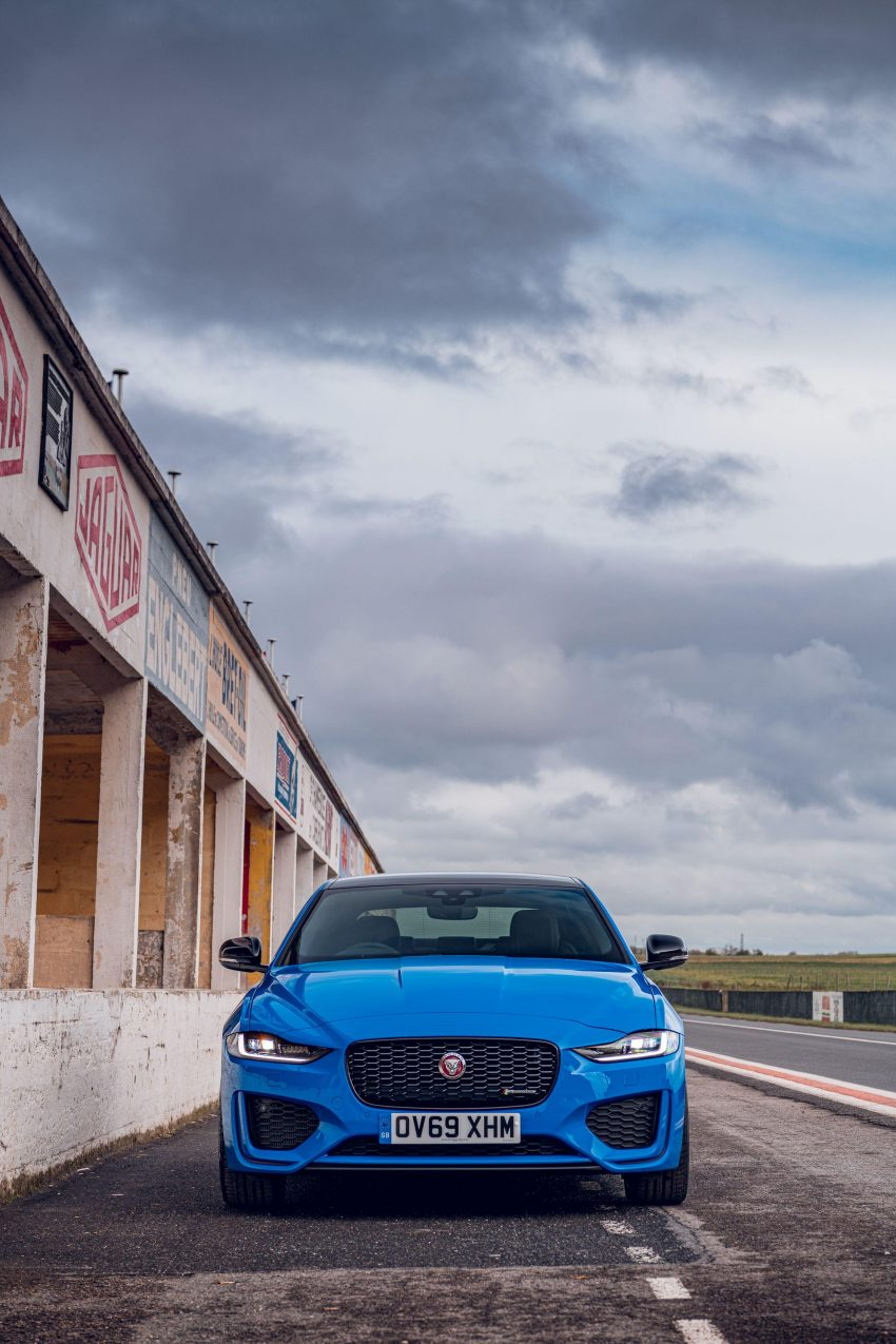 2020 Jaguar XE R-Dynamic Reims Edition - Front Wallpapers 850x1275 #38