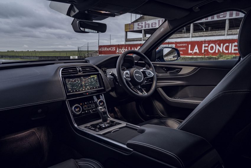 2020 Jaguar XE R-Dynamic Reims Edition - Interior Wallpapers 850x567 #80