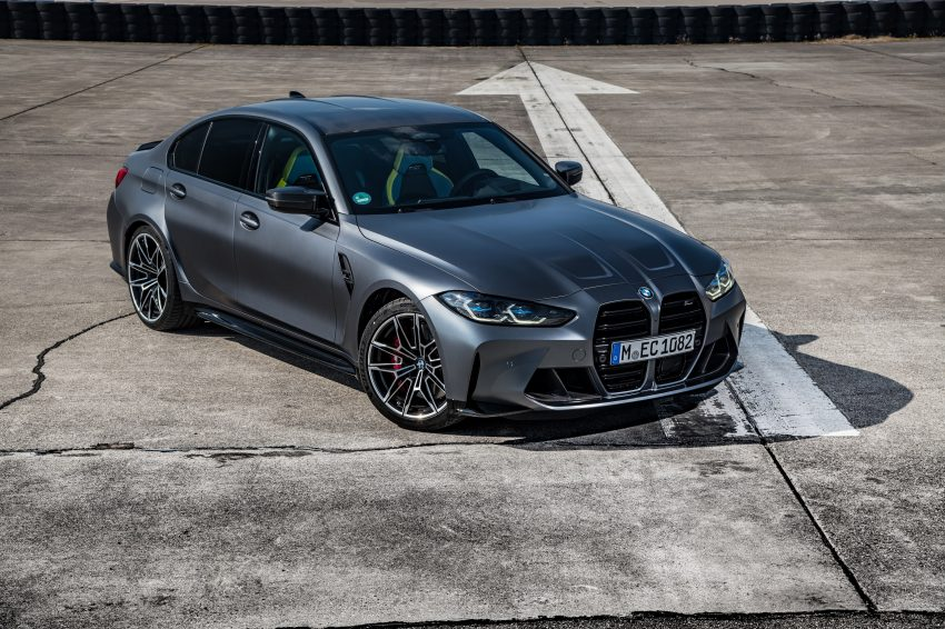 2022 BMW M3 Competition xDrive - Front Three-Quarter Wallpapers 850x566 #22