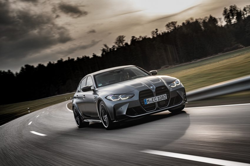 2022 BMW M3 Competition xDrive - Front Three-Quarter Wallpapers 850x566 #9