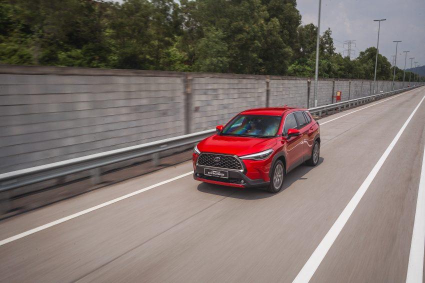 2022 Toyota Corolla Cross [MY-spec] - Front Three-Quarter Wallpapers 850x566 #4