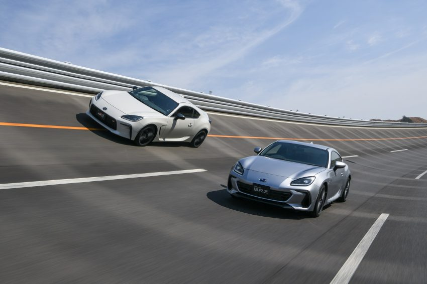 2022 Toyota GR 86 and Subaru BRZ - Front Three-Quarter Wallpapers 850x566 #3