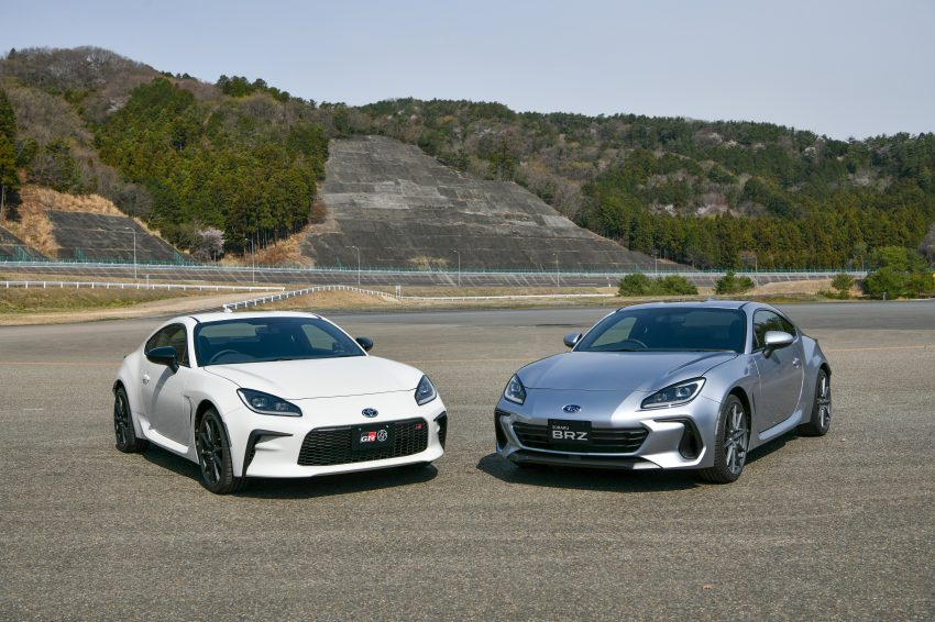 2022 Toyota GR 86 and Subaru BRZ - Front Three-Quarter Wallpapers 850x566 #4