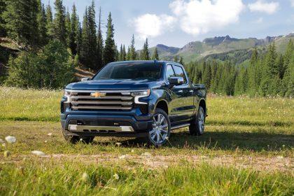 Download 2022 Chevrolet Silverado High Country HD Wallpapers