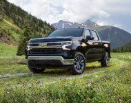 Download 2022 Chevrolet Silverado LT HD Wallpapers