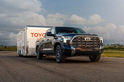 Download 2022 Toyota Tundra Platinum HD Wallpapers